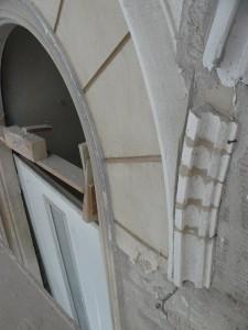 zusammengesetztes Fensterbogenende