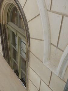 fertige Korbbögen und neue Fenster