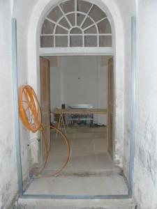 Doppelflügel-Tür von hinten vorher