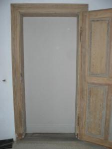 Tür von vorn nachher
