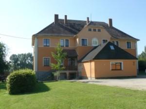 ehemalige Schule in Saritsch