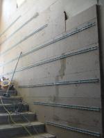 Treppenhaus Heizschlagenschienen auf Dämmplatten