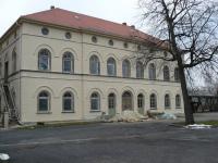 neue Fassade mit neuer zweiten Seitentür (20.12.2012)